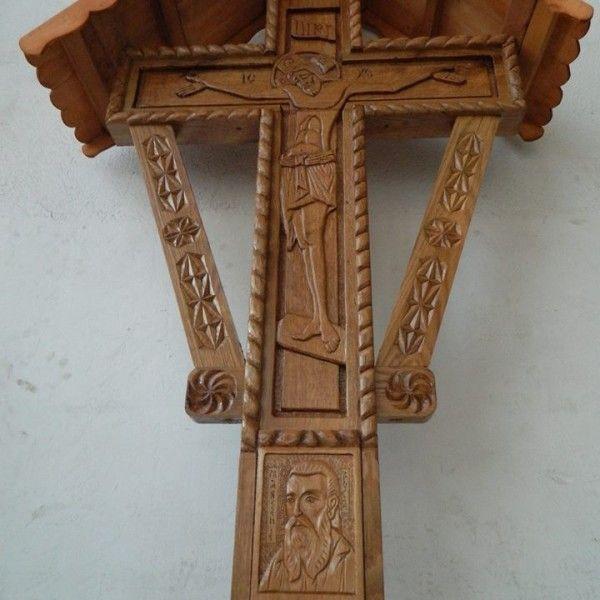 troita sculptate pe lemn de stejar cu arsenie boca