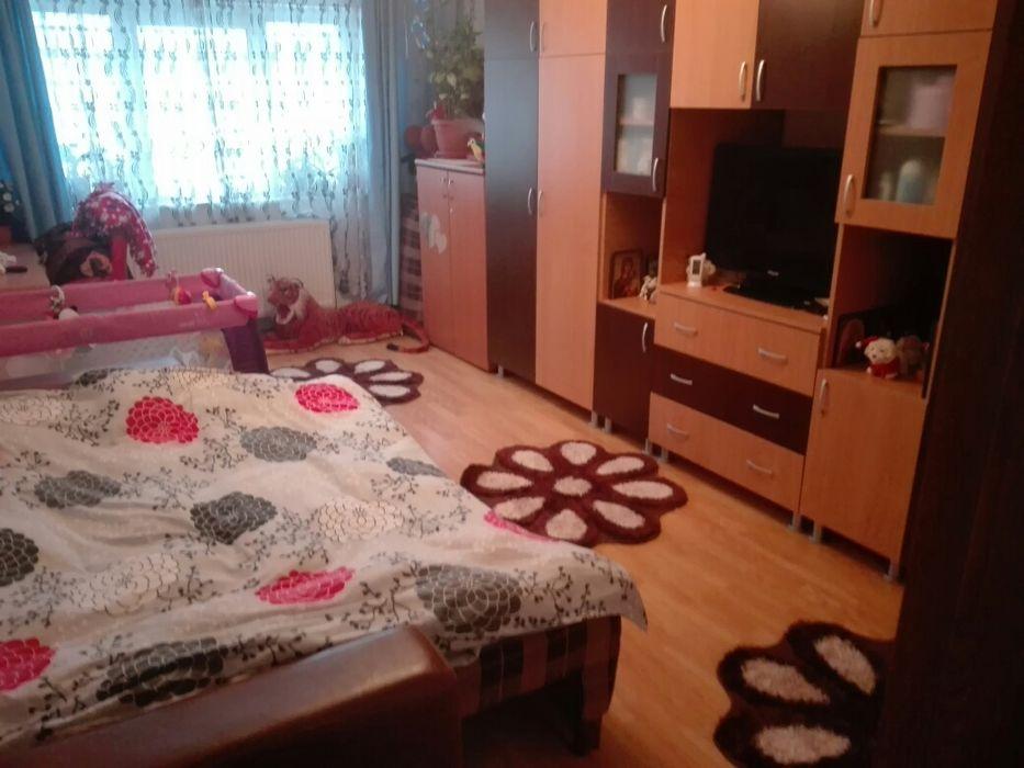 Vanzare  apartament  cu 2 camere  decomandat Hunedoara, Certeju de Sus  - 18500 EURO