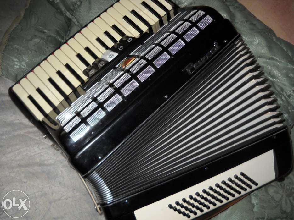 acordeon Parrot 60 basi impecabil