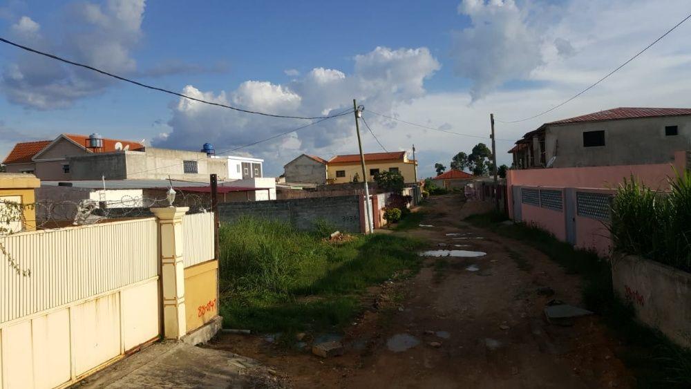 Terreno 25/30 a venda no Huambo, Bairro da ex comarca, ATS Sao Antônio