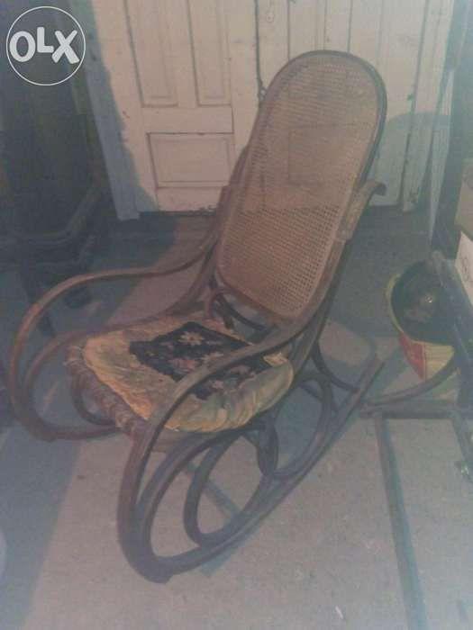 Balansoar Thonet(mobila veche)