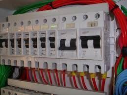 Presto serviço de electrecidade de construção civil.