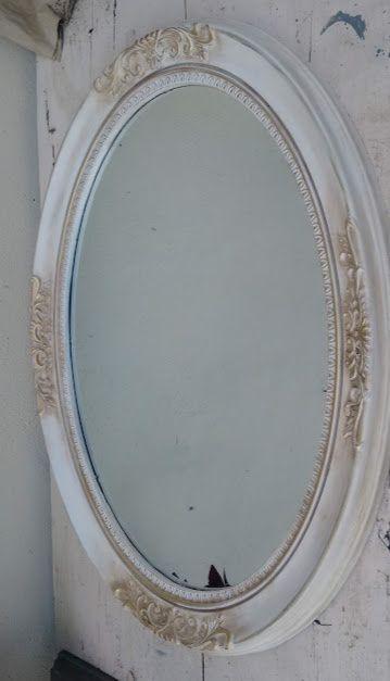Oglinda de perete,stil vintage-oglinda ovala, rama alba