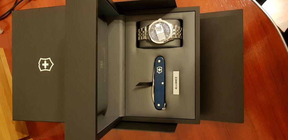 Ceas Victorinox Alliance set cu briceag Pioneer 241802.1