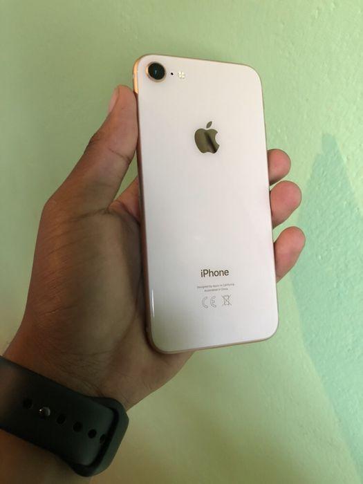 IPhone 8 Gold 64GB super novo