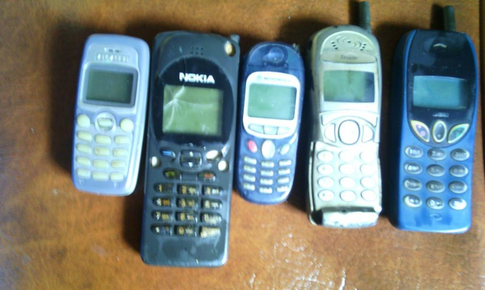 Telefoan cu butoane,telefoane vechi funcţionabile