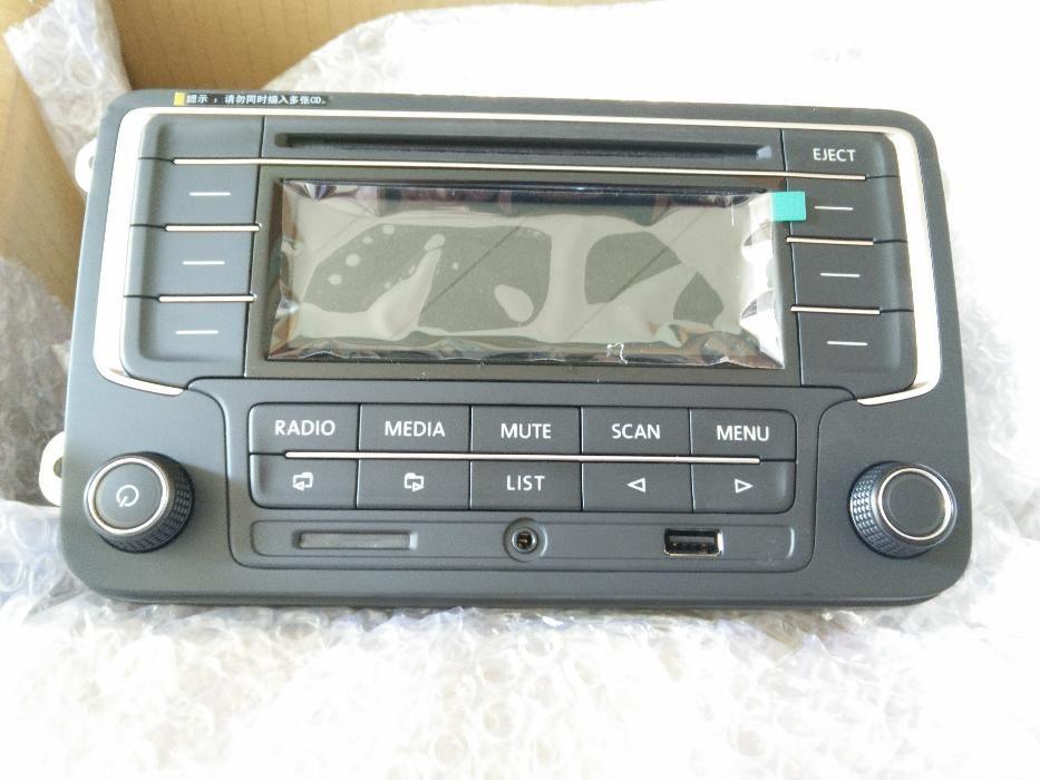 2DIN Радио - MP3 с USB, AUX и SD Card Голф 5/6/Пасат 6 и тн RCN-210