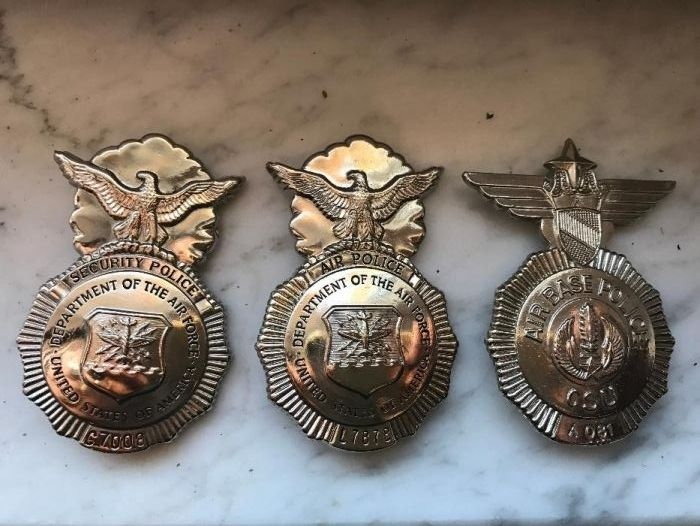 Set de doua insigne,metalice,American air security police