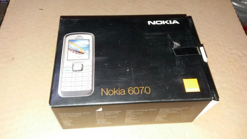 Cutie telefon Nokia 6070 - completa