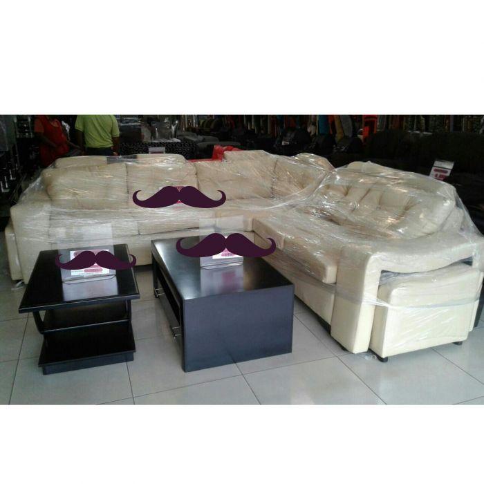 Sofa tipo L de marca LARONY importado