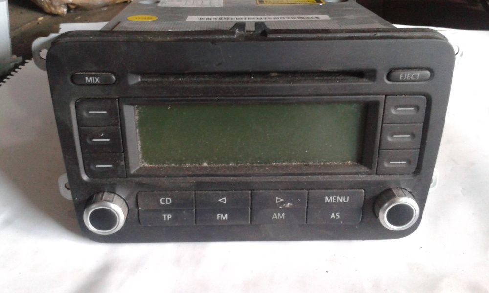 Casetofon/Radio CD/ CD PLAYER pentru VW Golf 5/ Passat B6