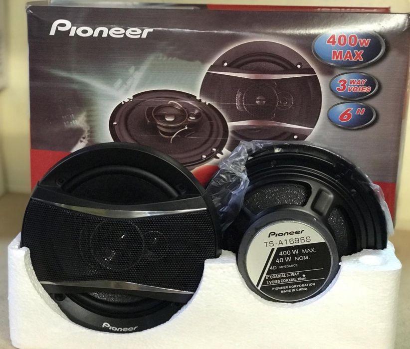 Altifalantes Pioneer 400w(max). Disponível