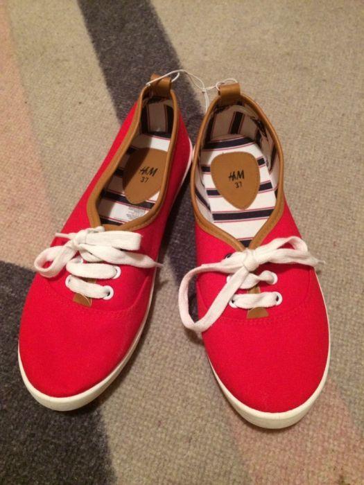 Червени кецове H&M