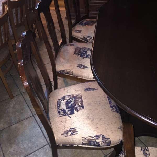 Маса с 8 стола масив