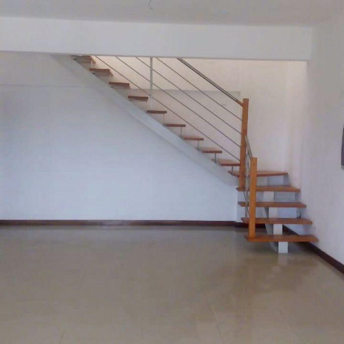 Arrendamos Apartamento T3 Duplex Condomínio Astros de Talatona