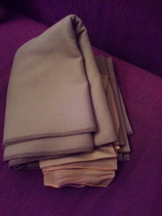 Сукно бежевого цвета на пальто 235х145 плюс подкладка. Для инд. пошива