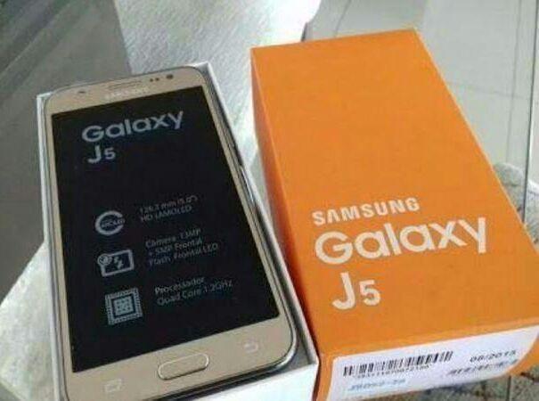 Samsung galaxy J5 novo a venda