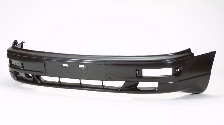 Передний бампер на Toyota Camry / Камри 10