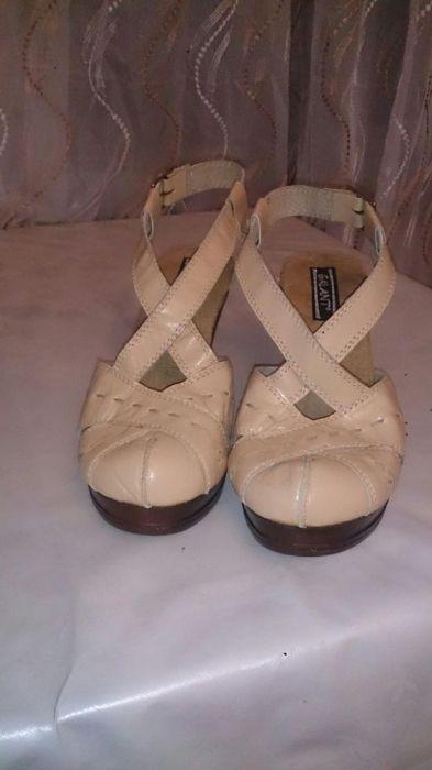 Дамски сандал. Мека естествена кожа!