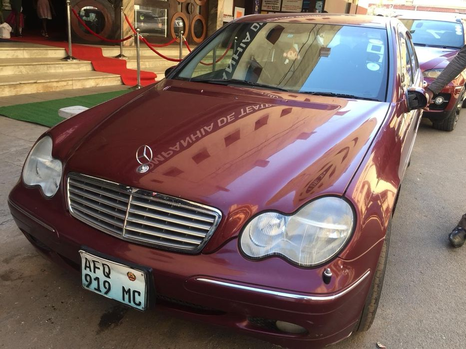 Mercedes-Benz | Kompressor | C200 | 2004 | Automático |Gasolina | 2.0