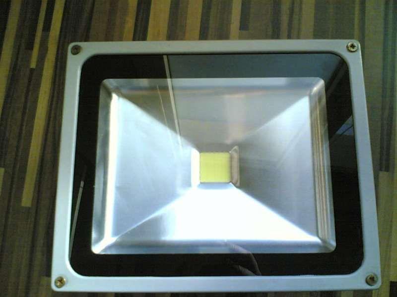 лед прожектор фенер 20-100 вата 12-24 волта
