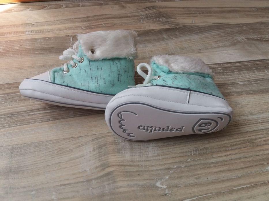 Нови обувки за бебче