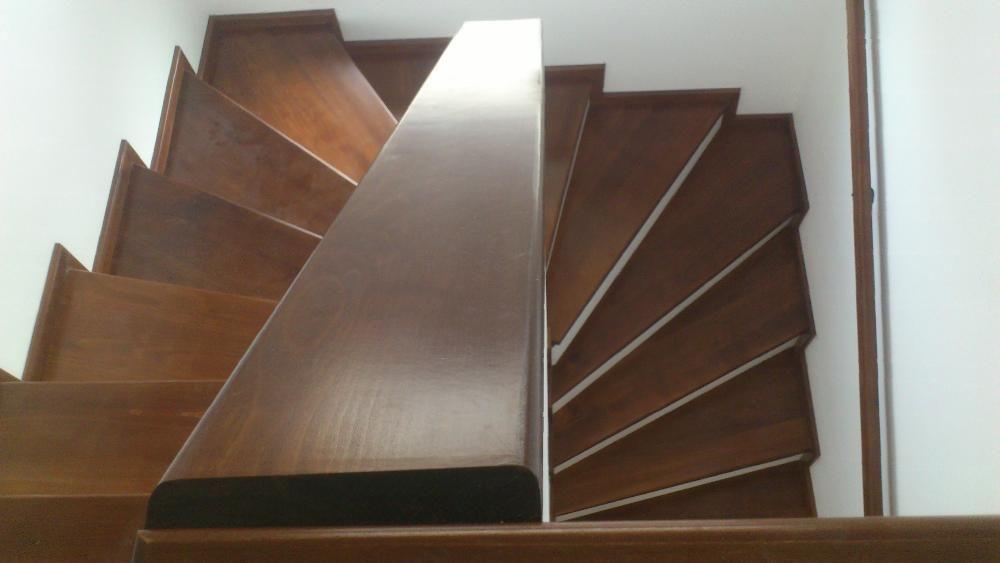 scari interioare din lemn masiv