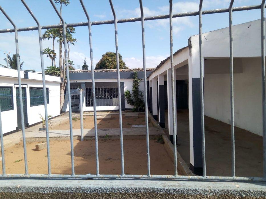 Vende-se um condomínio no bairro das Mahotas Bairro - imagem 4