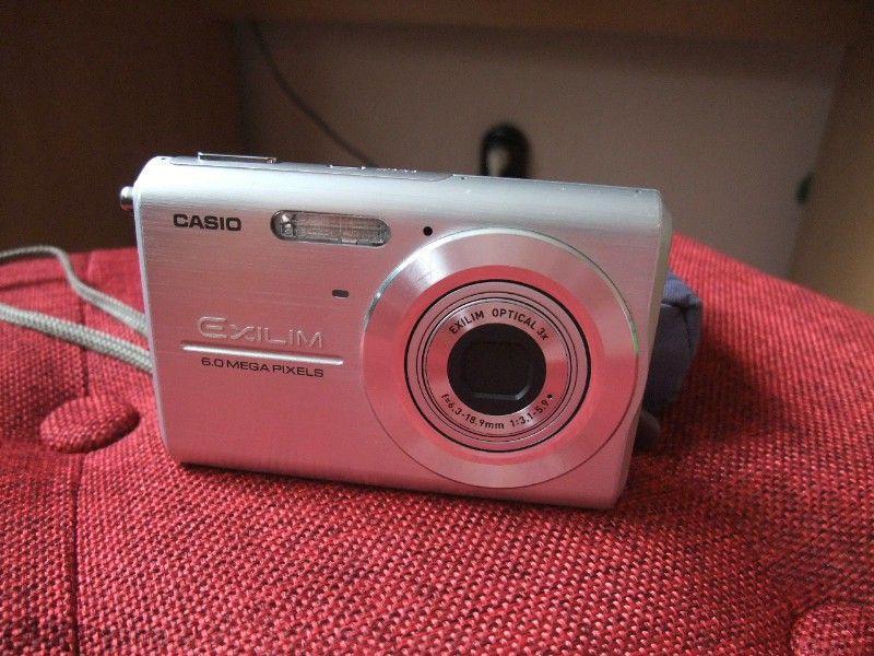 Фотоапарат casio exilim Ex-z65