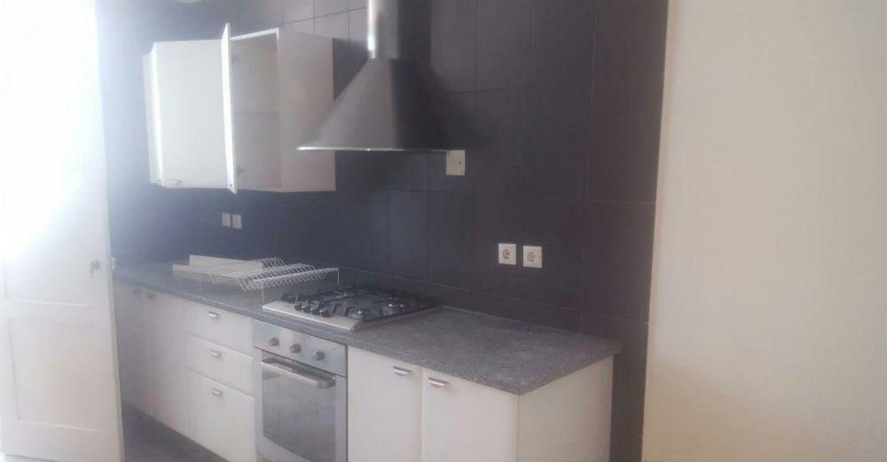 Vende-se Apartamento T3 Suite 2WC AC 14°andar Vista Mar_Prédio da TVM
