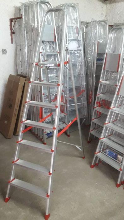 Escadotes de Alumínio alta qualidade uso diverso modelo KMH0107