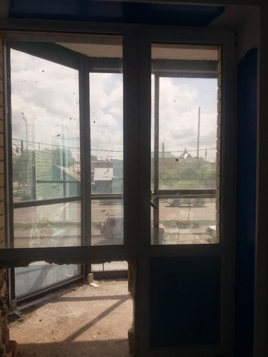 ПРОдам пластиковые двери и окна выход на балкон выход на балкон
