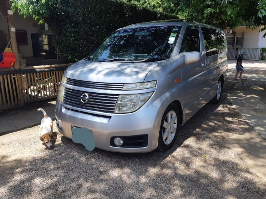 nissan elgrand 4wd