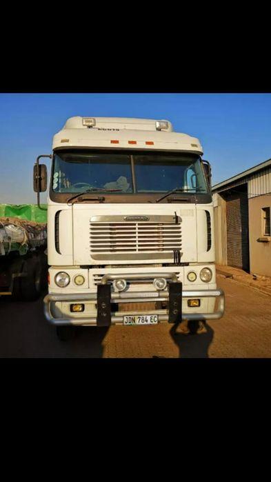Fright liner Argos a venda na África do sul à 450000 RANDS