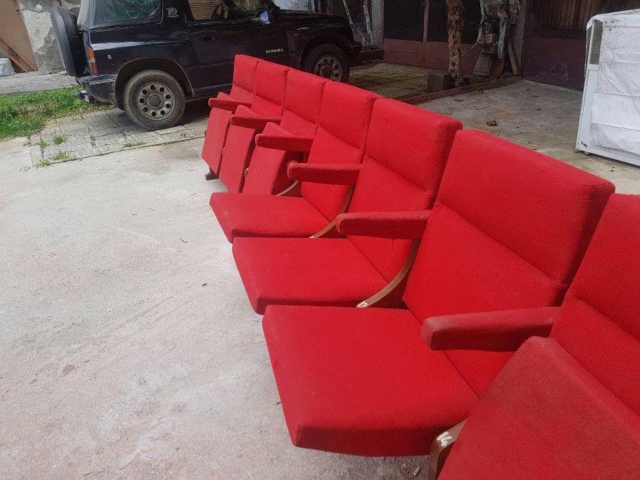 Столове за киносалон