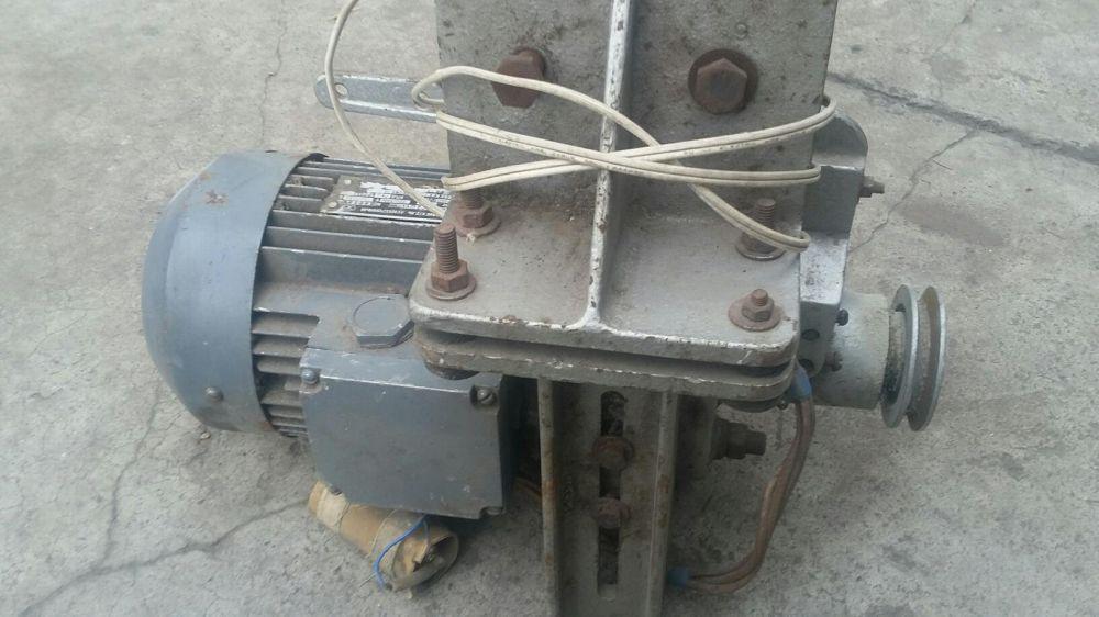 Электродвигатель на швейную машину