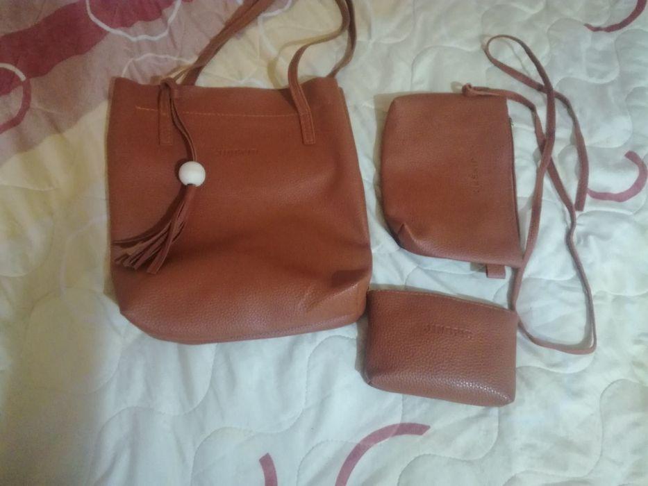 Комплект чанти от изкуствена кожа (дамска, тип плик и портмоне)