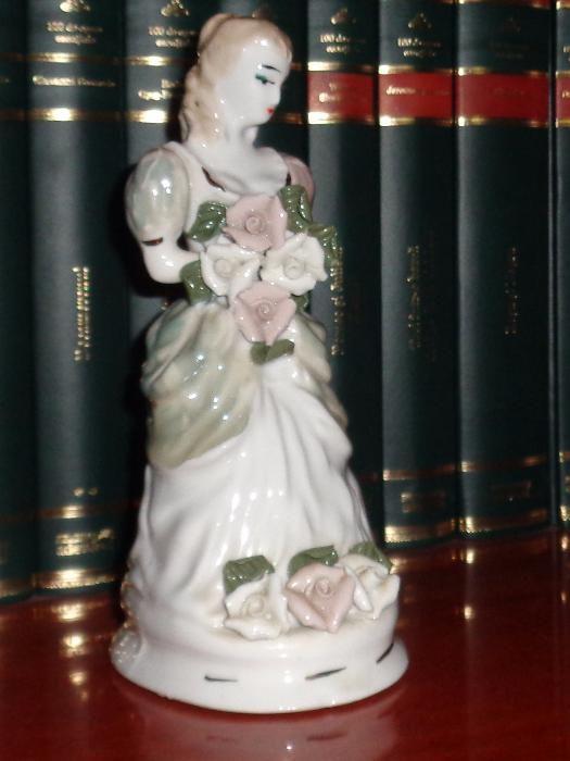 Bibeou din portelan - Fata cu flori