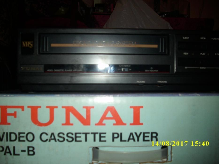 2 Video Player Multisystem VHS : FUNAI si PANORAMA + 100 Casete VHS