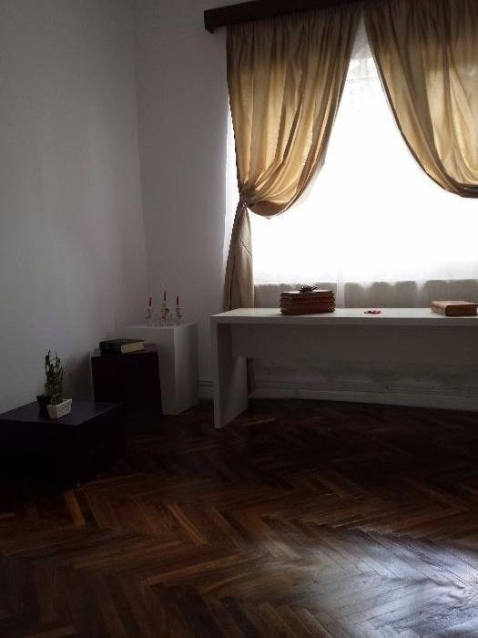 Vând/ Schimb cu apartament in București Casa cocheta la cheie