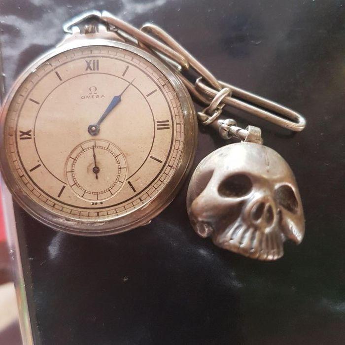 Ceas Omega argint functional de pe timpul SS antic+cianura