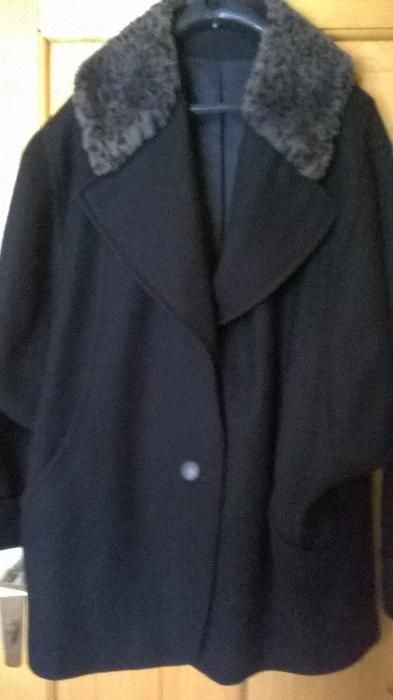 Scurta dama din stofa neagra cu guler blana marimea 44-46