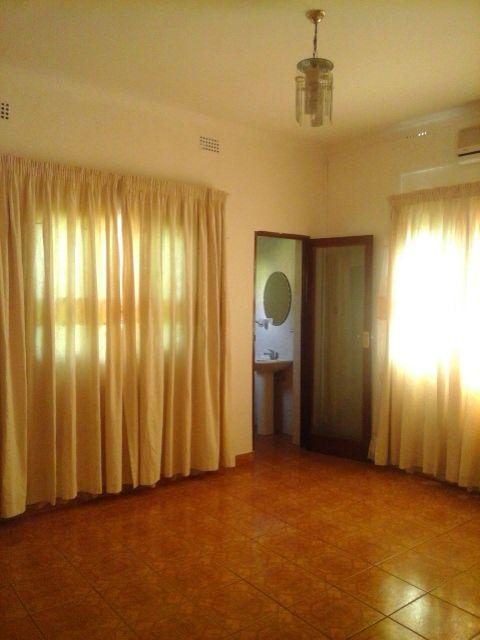 Vende casa tipo 3 na matola perto de mercado djitimane Bairro do Jardim - imagem 8
