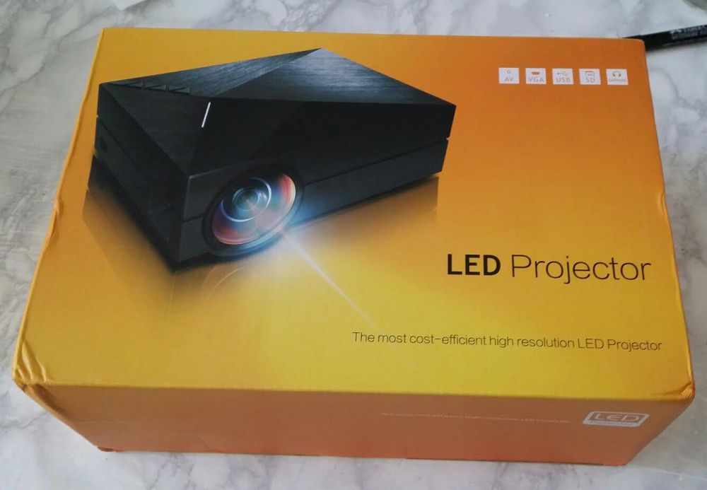 Projector LCD GM60