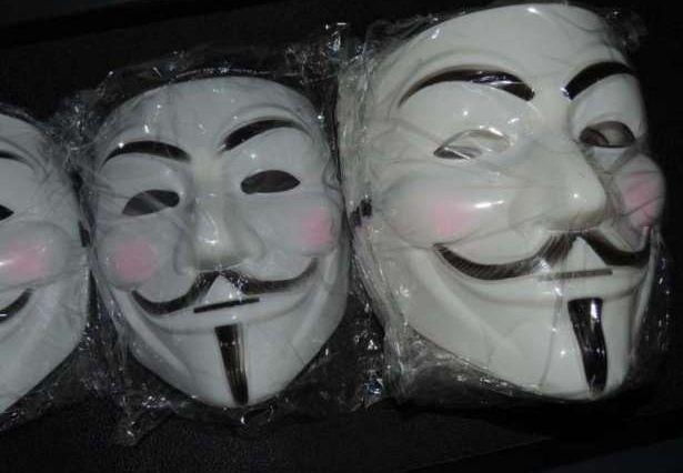 Masca V for Vendetta, Guy Fawkes, Anonymous, noi, Alb