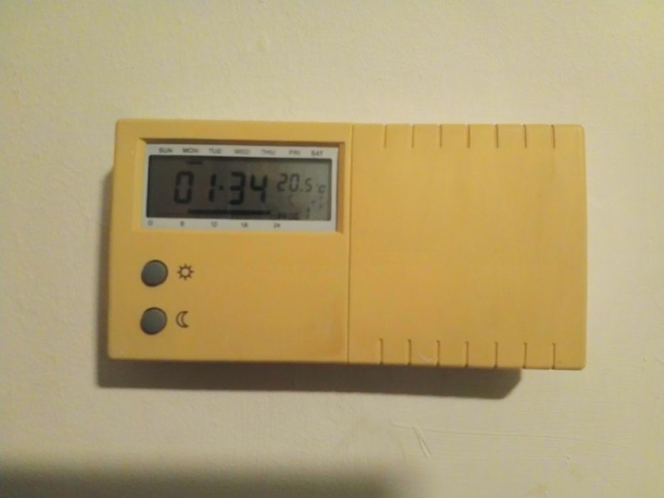 Termostat programabil cu fir