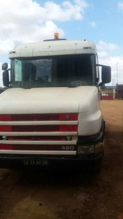 Vende-se Scania 450