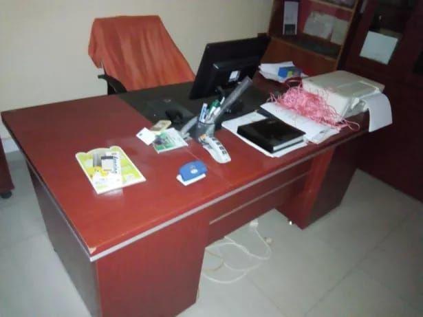 Aluga-se escritório diários, semanal, mensal ou anual, todos mobilados