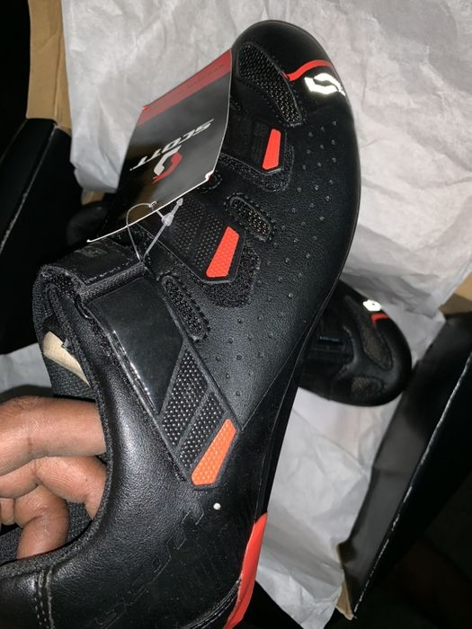 Sapato para ciclismo de marca Scott (novo)