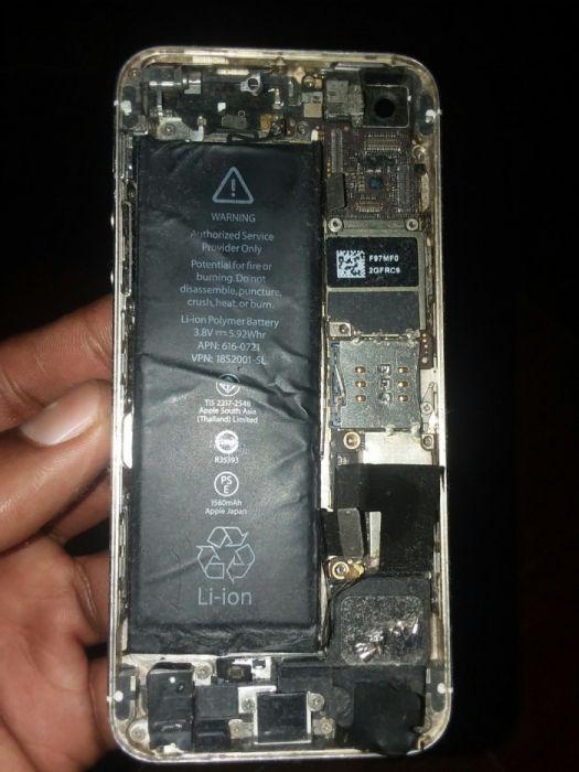 Vendo está base de iPhone 5s com a placa estragada